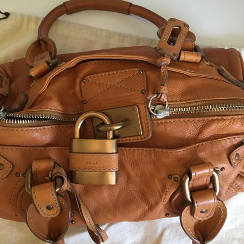 ad13f01d99c4 CHLOE PADDINGTON BROWN LEATHER BAG Light brown grained Has - Depop