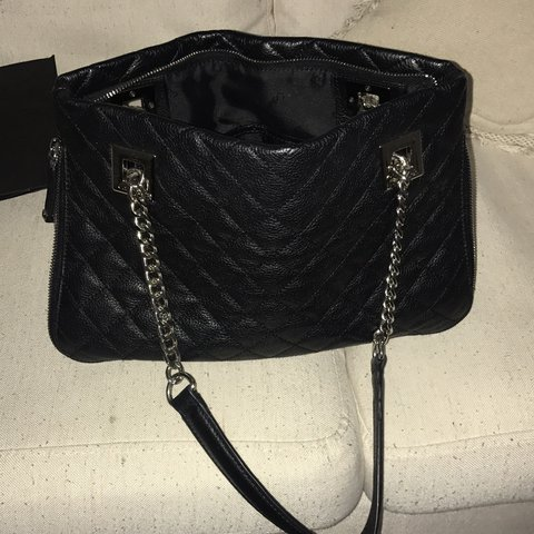 4c44acf97d @mmayer0328. last year. New York, United States. Calvin Klein Quilted  Leather Shoulder Bag. Brand New Without Tags.