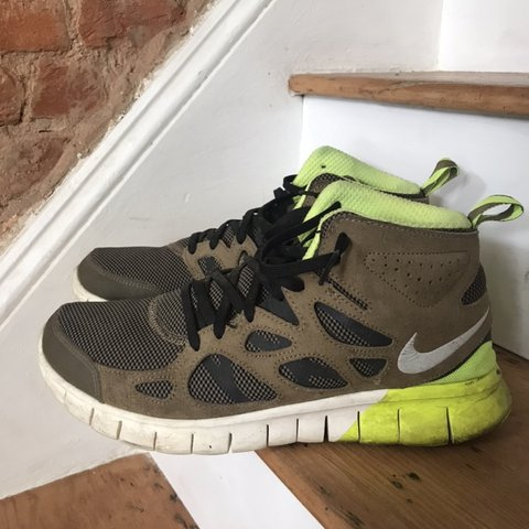 sports shoes 379e4 b7b9a avallone. 5 months ago. Philadelphia, United States. Nike Free Run 2 Mid  sneaker boot.
