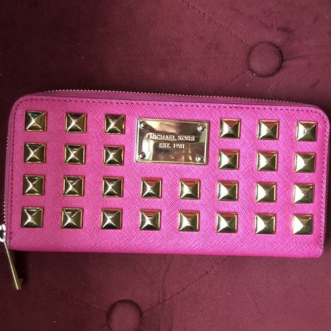 1470161ef981b4 ❌PRICE REDUCED ❌ Hot Pink Michael Kors Zip-up Wallet with on - Depop