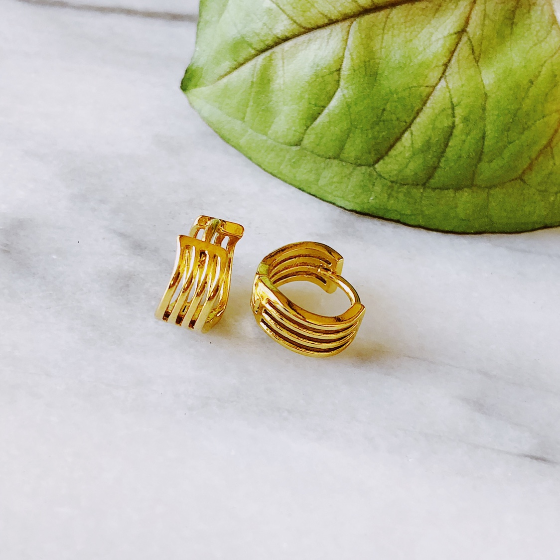 Infinity Band 18k Gold Plated Hoops!  These Hoop by Depop
