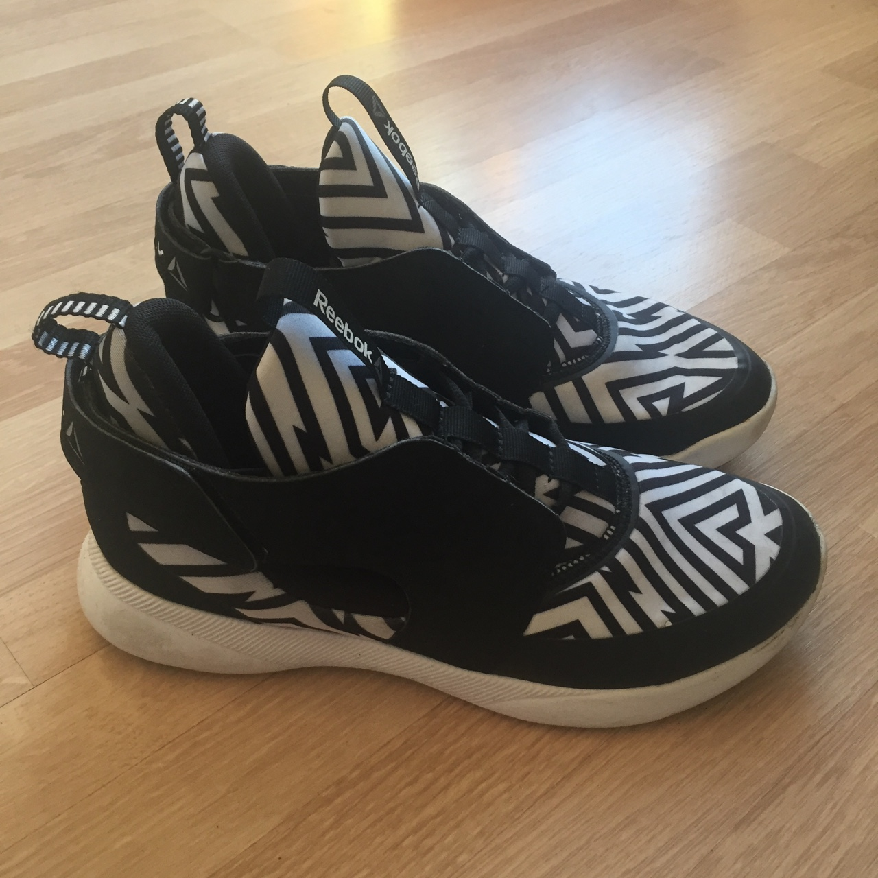 Reebok turnzone samples. Worn once. Bought for Depop