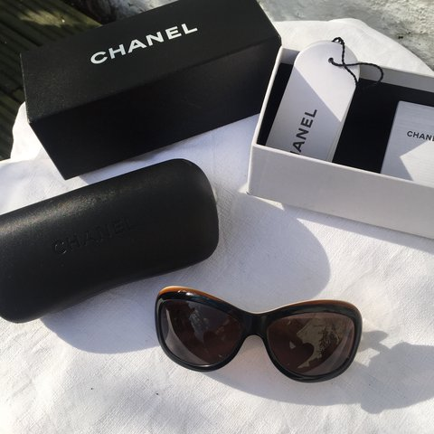 8c3311a137d Chanel Vintage Tortoiseshell   quilted leather Sunglasses.   - Depop