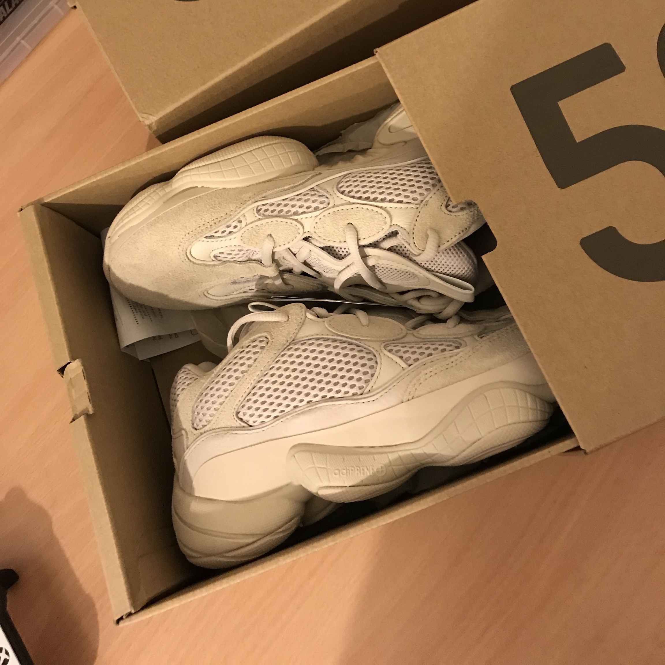 Yeezy 500 Blush size 4.5 uk DS with