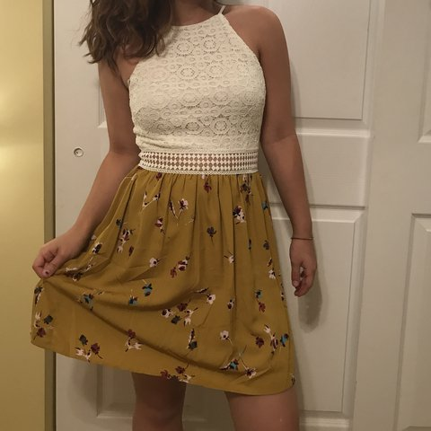 d5f20c138e1 white crochet and yellow floral dress open belt that exposed - Depop