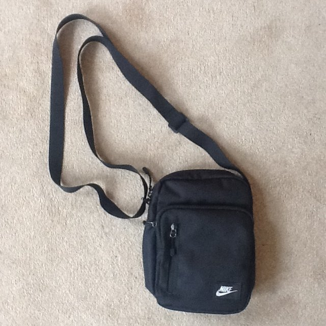 BLACK nike air pouch / man bag 🌌* Nike * Northface * North * Face ...