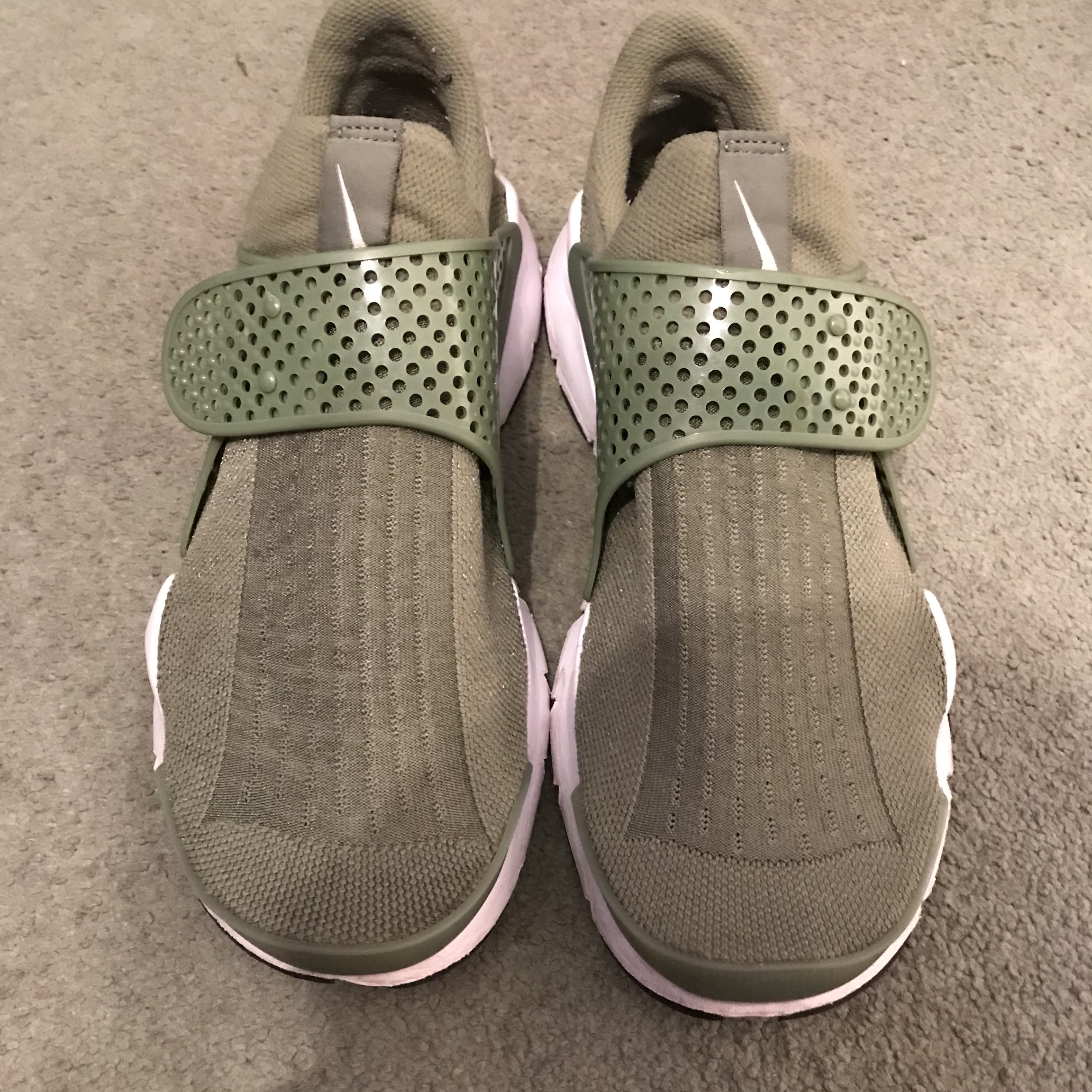 Arrostito alieno senso  Nike Sock Dart Olive Green Only worn a handful of... - Depop