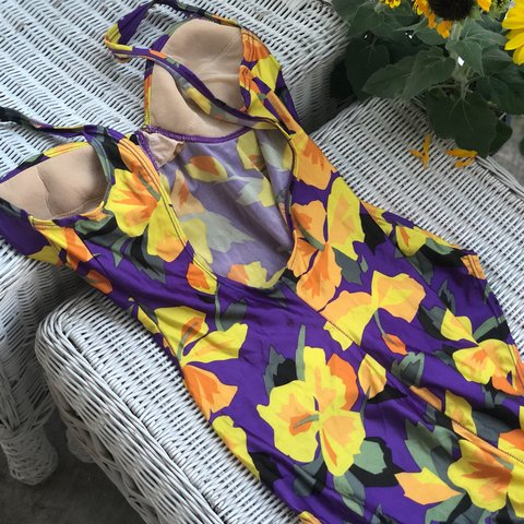 "fa448ff0cc002 One piece vintage floral swimsuit. SO CUTE! Size ""12"" best a - Depop"
