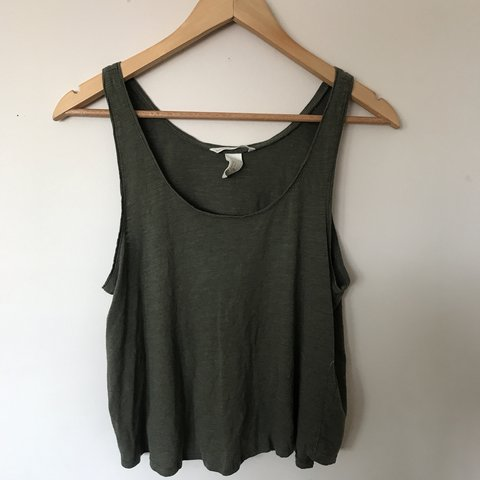 721ae4375d1f5    Price reduced 2x! 🌿H M 🌿Army green basic tank and a fit - Depop