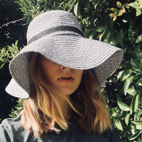 d9bb218b7c87d Floppy black and white Bebe sun hat with the tag still on. - Depop