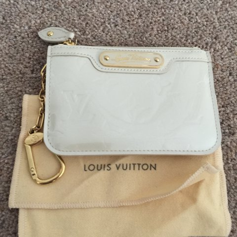 f809296028ea Authentic Louis Vuitton key cley in Vernis leather pearl 13 - Depop