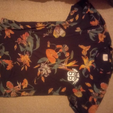 6e7a9965c1 Vans off the wall floral t shirt. Medium - Depop