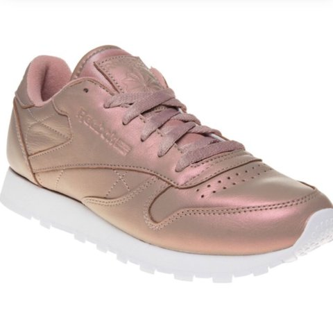 ced947f9332 Rose gold pearl pink reebok classic trainers