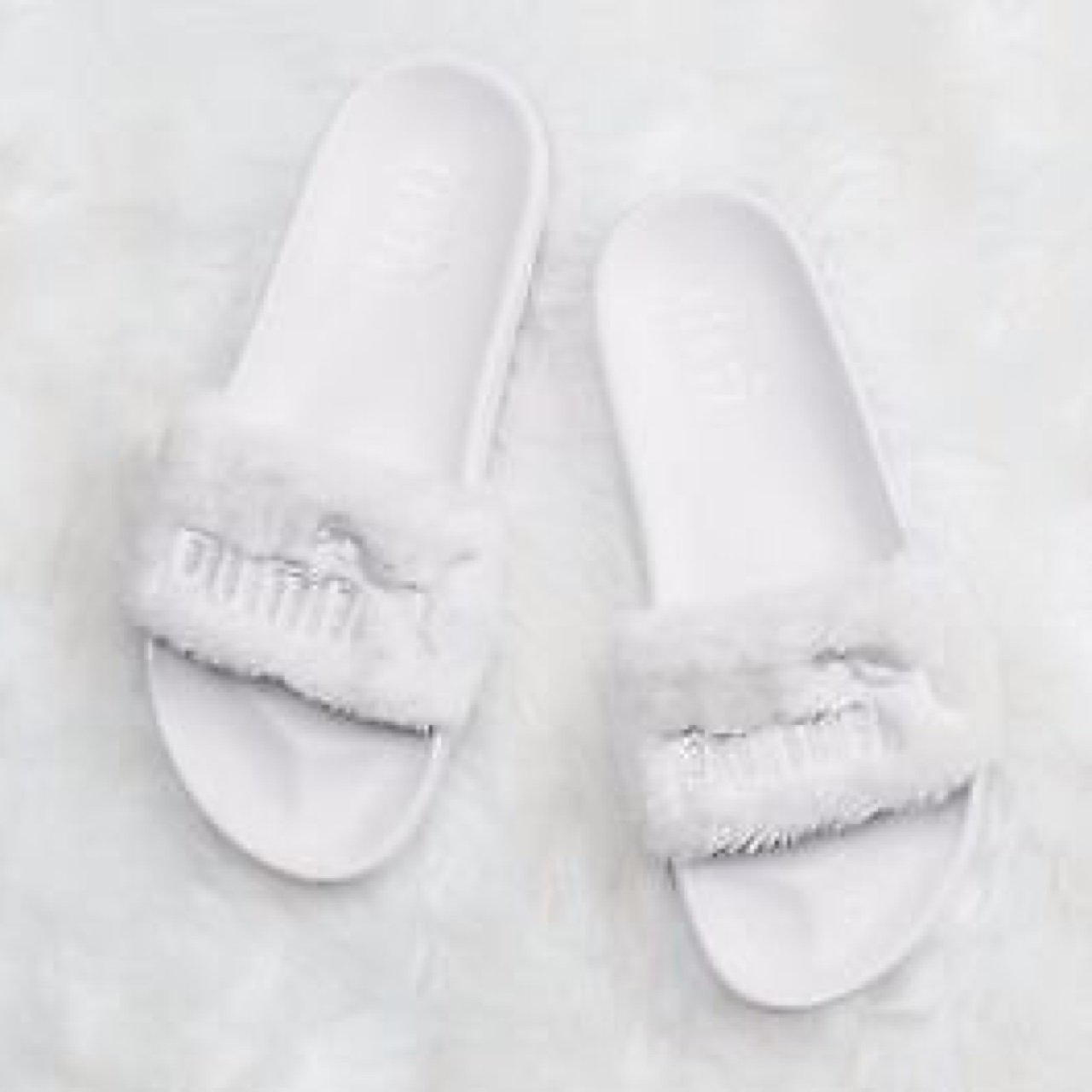 Leadcat fenty In white and cream faux fur slides  furry for - Depop 4f36ff1bede3