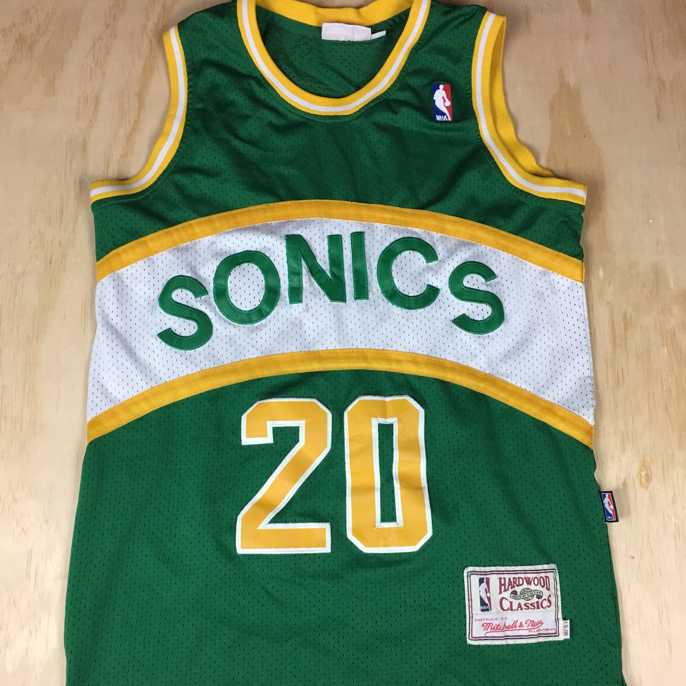 low priced 75244 b2830 Mitchell & Ness Seattle Sonics Jersey Gary Payton... - Depop