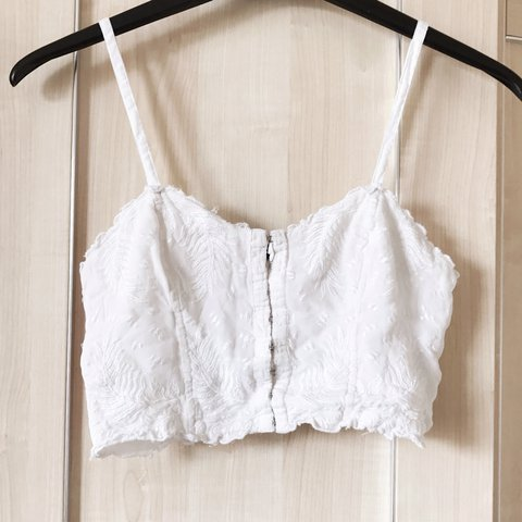 293ed88e3e44ed REDUCED TO £12! TopShop clasp front delicate bralet