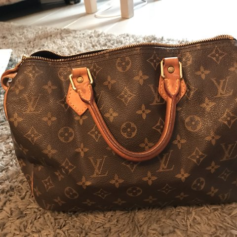 a3985a9074be Louis Vuitton speedy 30 perfect condition other than stain - Depop