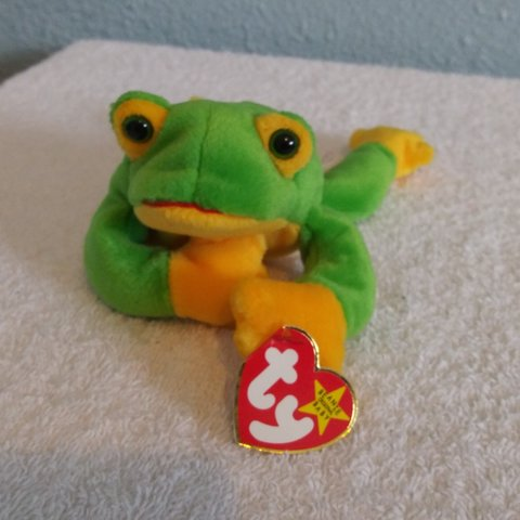 740abe44ac4 🐸Smoochy the Frog Ty Beanie baby original. 1997. Retired. a - Depop
