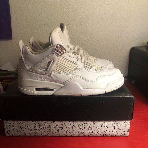 1412d776bd0d JORDAN PURE MONEY 4s. SIZE 9. CONDITION 8 10 COMES WITH OG - Depop