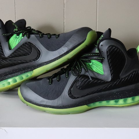88ed9abe67ac Nike Lebron 9  Dunkman  8 10 condition. Comes with OG box - Depop
