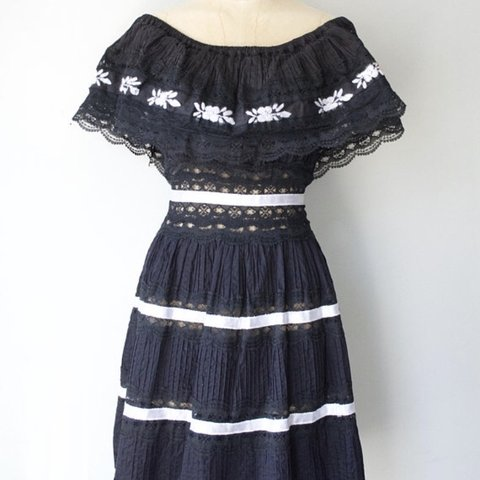 6cdc6c44f8 Gorgeous 1950s vintage mexican wedding dress in black with a - Depop