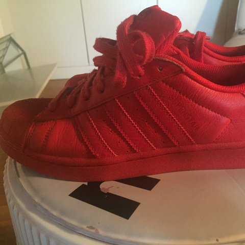 Adidas  Superstar ! Vendo a 55 euro!  adidas superstar - Depop 9abe16fda57