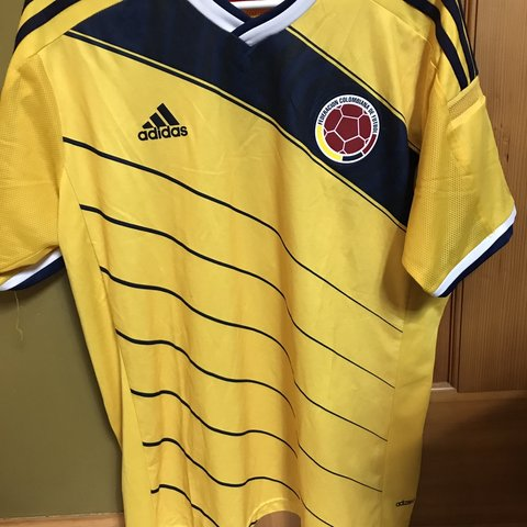 d8b4c281d50 @obnobs. 14 days ago. Minneapolis, United States. Colombia 🇨🇴 2014  replica jersey. Same year as the Brazil ...