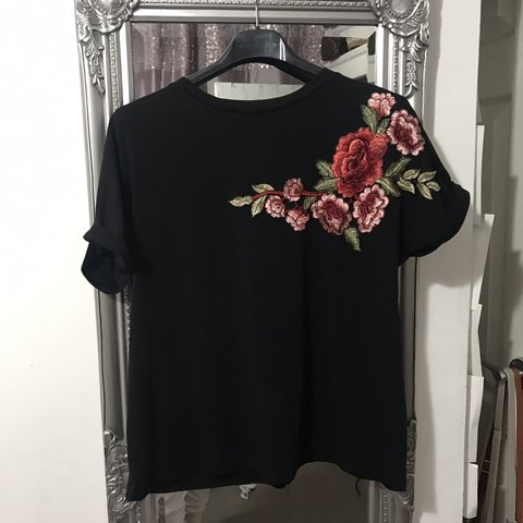 4ed22f7679 Shein black floral detail t shirt Great condition worn a of - Depop