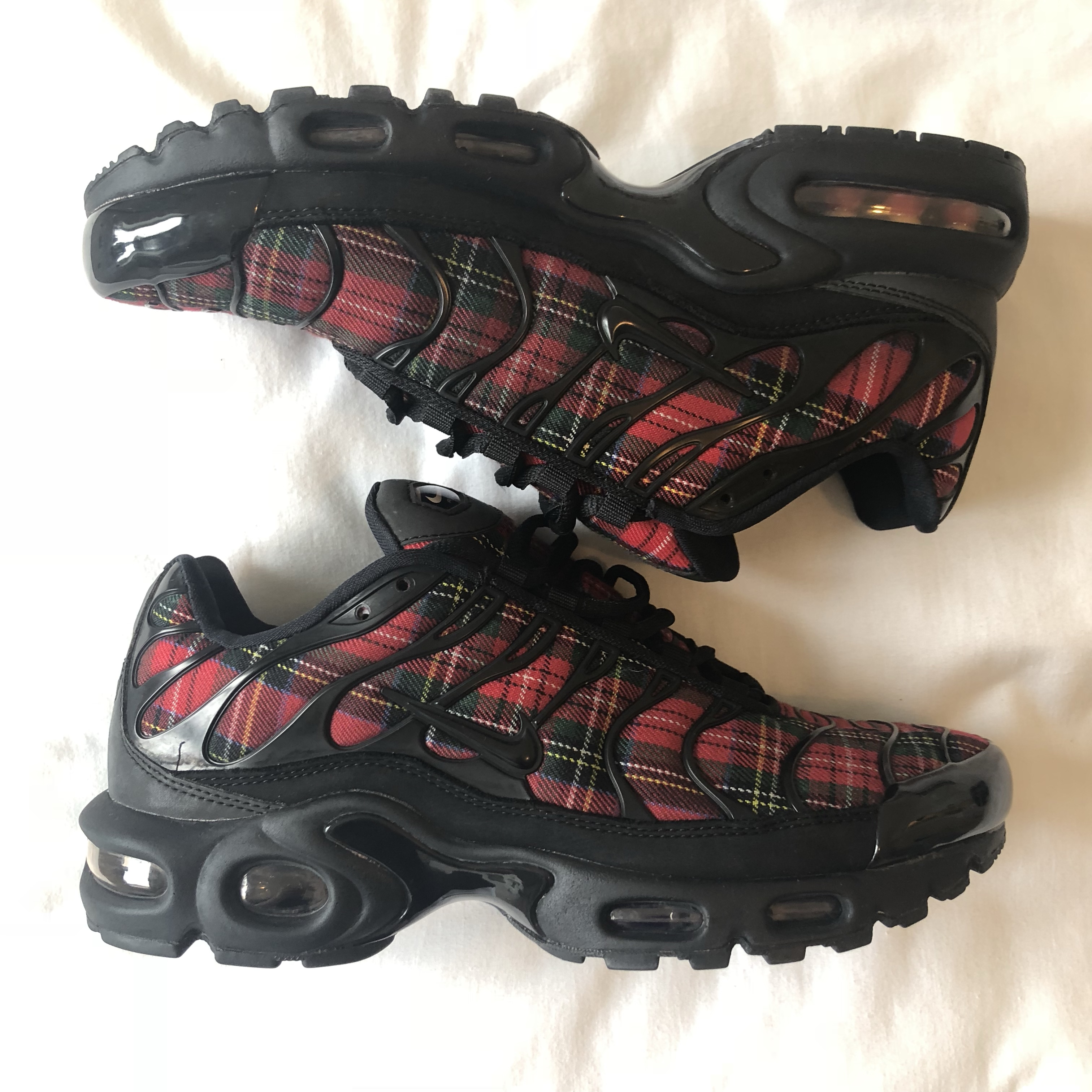Special version of the Nike AIR MAX PLUS TN SE Women's Shoes