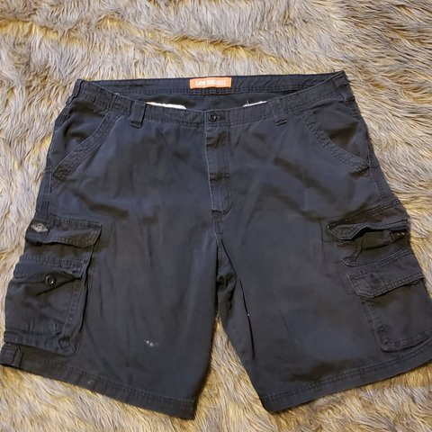deea83a74b0 MENS VINTAGE LEE DUNGAREE CARGO SHORTS - size 42 - black of - Depop