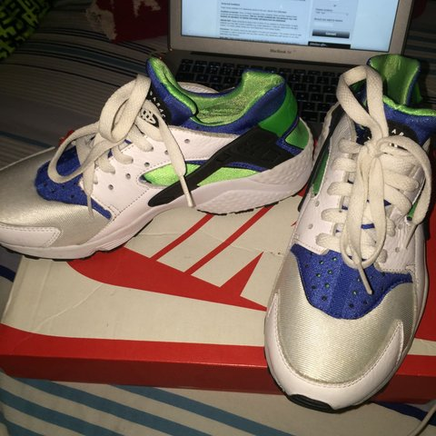 cheap for discount 21ebe dbc3f Nike huaraches. Size 6 - white, green and blue. Perfect for - Depop