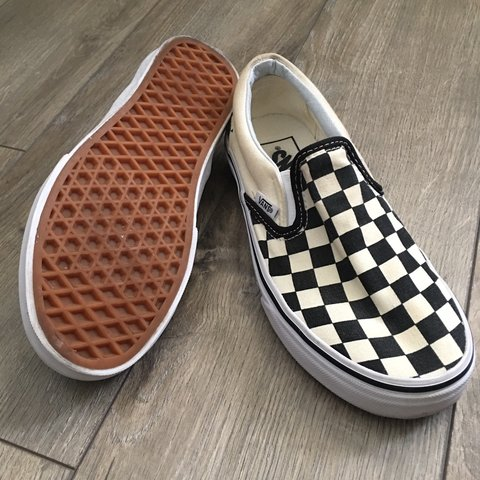 c9095e5d339b Black Off White Checkerboard Slip-on Vans Worn once Size - Depop