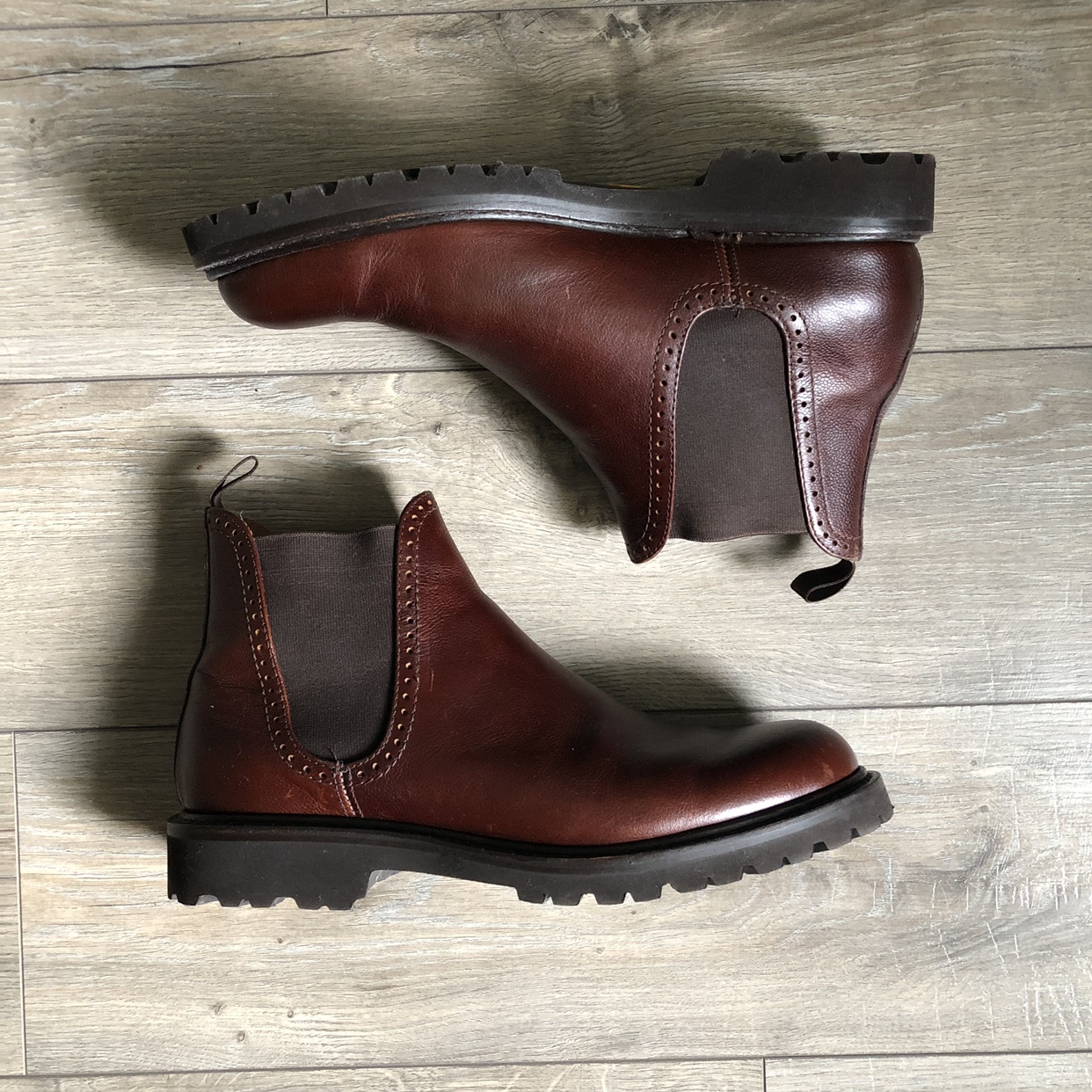 274856be740 Wolverine Brown Cromwell Chelsea Boots Size: 9.5... - Depop