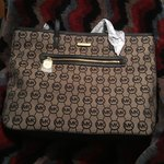 820a6ce46eee Immaculate Michael Kors bag ! Light use! Price obo me a - Depop
