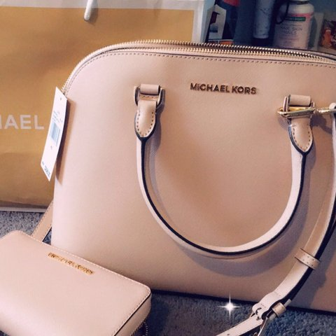 eea8812766d2 @hx918. last month. Olympia, United States. Brand new blush pink Michael  kors purse ...