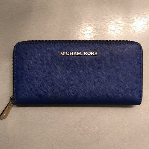 19bfbaefbe4849 @kdavy07. last year. Canada. Royal Blue, Michael Kors Saffiano Leather  Wallet. Minor use but still a 9/10 condition wise