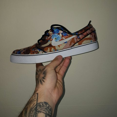 900cd972a8f96 Nike Stefan janoski digi floral trainers in great condition - Depop