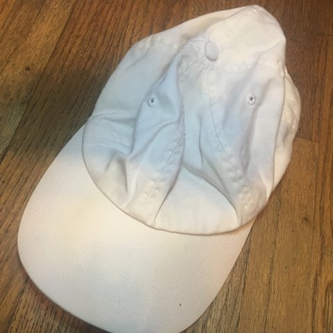 1b124cdace592 All White dad hat •good condition 10 10 •no tears stains - Depop
