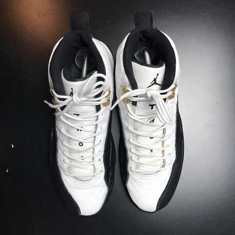 5c72fa00ce4063 size 9.5 taxi air jordan 12 2013 release comes with black - Depop