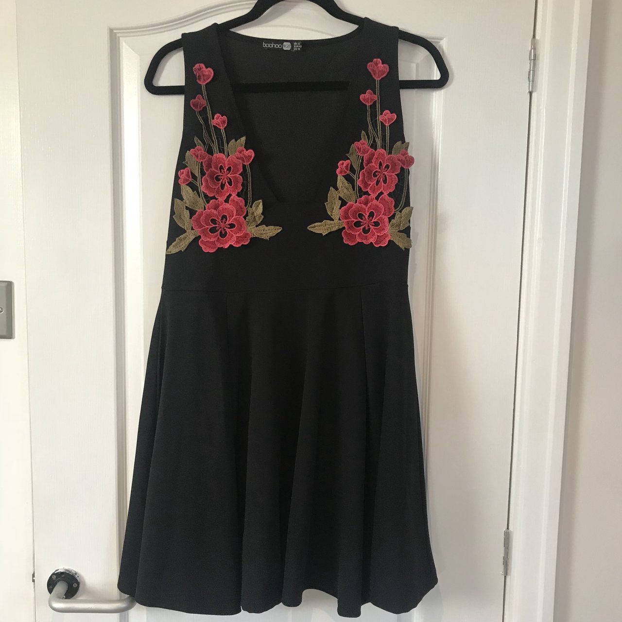 Boohoo floral embroidered plunge dress. 4a5bbe9cc