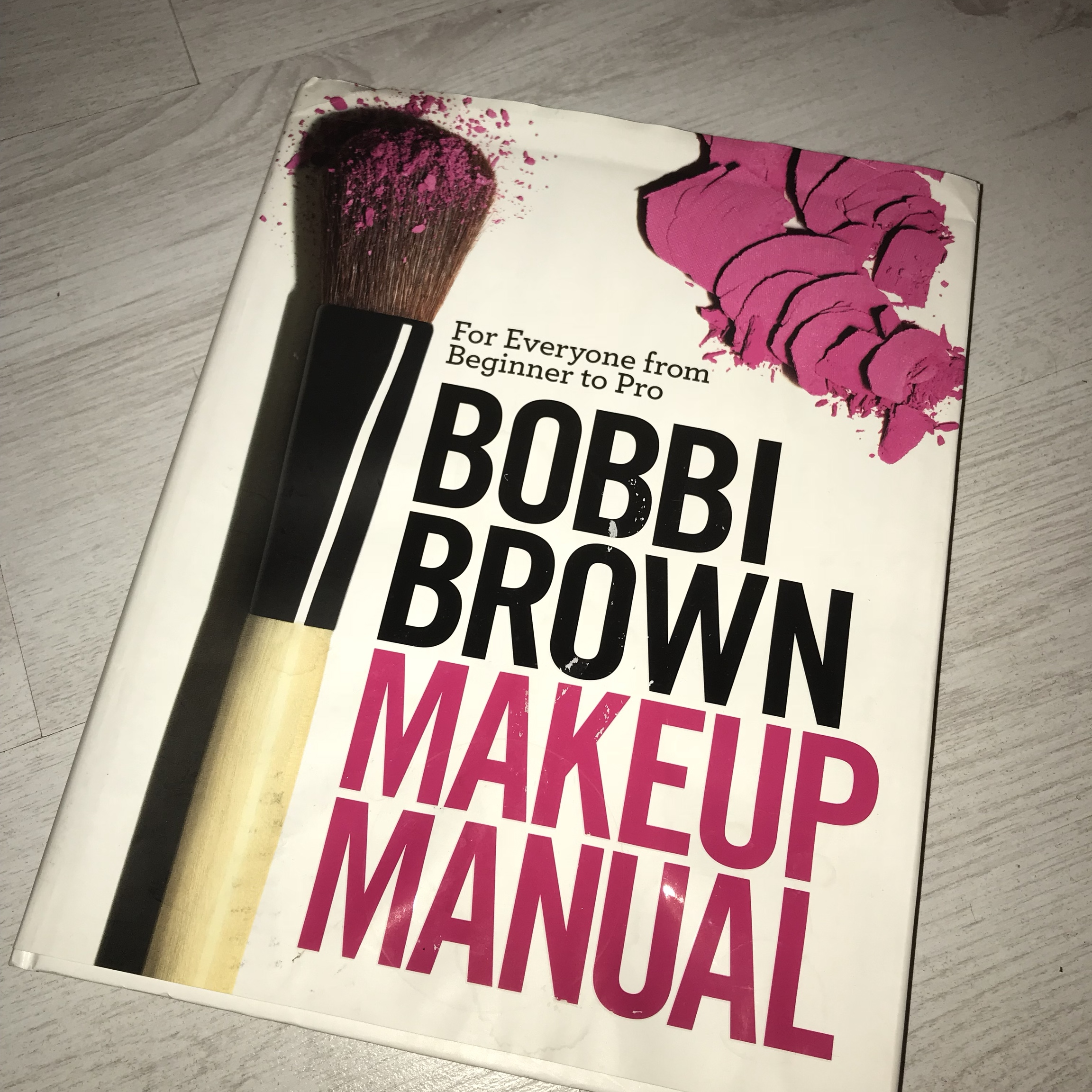 Bobbi Brown Makeup Manual Used And Does Have Few Depop