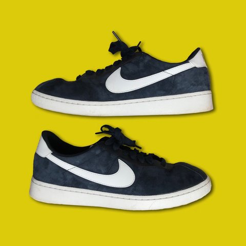 0cc57a0499 Nike SB Navy Bruin Lows and white in color •Nice soft - Depop
