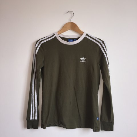 7e5503a2 @lizdoohan. 9 months ago. Dunfanaghy, Ireland. Khaki adidas sweatshirt,  worn once , good condition. Size UK ...