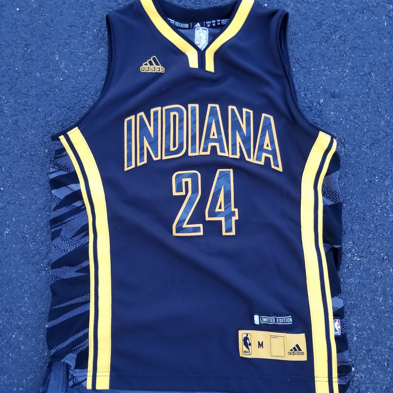 hot sale online 3b6e9 ae2c4 Paul George Indiana Pacers jersey - size youth... - Depop