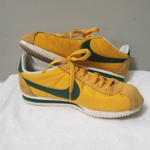 online retailer babfc fc5fe Retro Throwback Nike Cortez Shoes,- 0