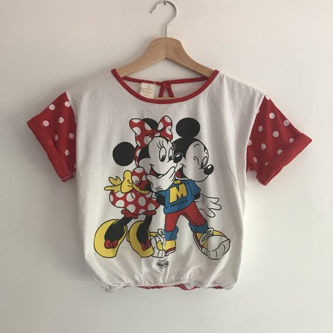 f96dabf421241 Vintage Mickey and Minnie Mouse cropped top. Size S 8  80 s - Depop