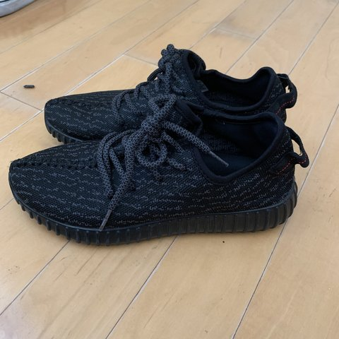 ce4852d1955ec 🖤PIRATE BLACK ADIDAS YEEZY BOOST 350🖤 size 6.5 in men s! 2 - Depop